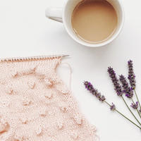 用毛线与颜色、母爱线上线下一起开启四月编织主题