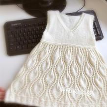 雀之翎 简单实用从下往上织儿童棒针叶子花V领背心裙