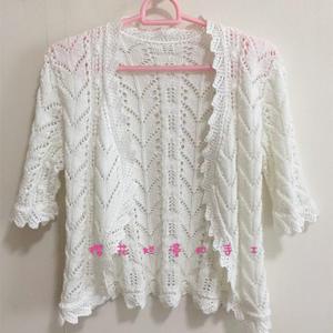 志田款女士棒针镂空花五分袖短开衫