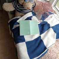 闲织4股棉棒针青白拼色方块毯