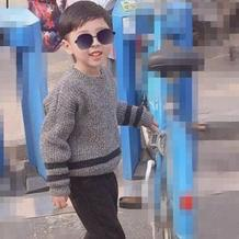 黑灰夹色男童棒针元宝针长袖毛衣