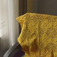 复古感的姜黄色钩针菠萝拼花小毯子