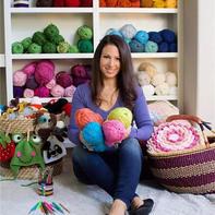 平面设计师、全职妈妈、编织设计师各种完美转身 她家的毛线收纳墙火了