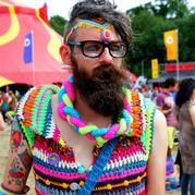 戳心又想看的编织生活 英国大胡子织男用钩针创造各种别样惊喜
