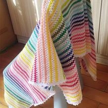 不一样的彩虹毯  V型花钩针条纹拼色毯子