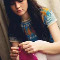 现年21岁,却已有8年毛衣设计经验 有颜有材英国时尚博主Lily Kate