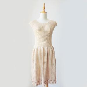 清欢 修身优雅云帛Ⅱ女士钩织结合无袖连衣裙