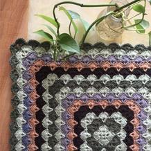 多彩暖垫 简单却可以千变万化的钩针贝壳花样坐垫