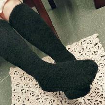 织出了不一样温暖 女士棒针珊瑚绒长筒地板袜