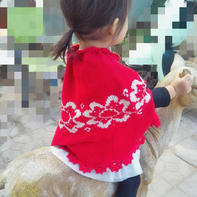 红骑士 女童棒针带袖洞提花斗篷