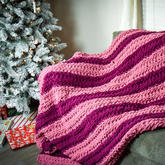 让我们一起来做运动 不用织针手指就可以编出温暖毛毯