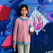 不一样的卫衣  儿童bet365提款有什么要求吗_bet365是什么网站_bet365现金网抽绳套头毛衣