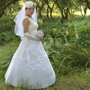 实现梦想 亲手编织爱的婚纱过程细节图