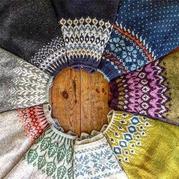她织的提花毛衣从大自然中汲取灵感 让人大开眼界!