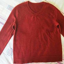 酒红色男士棒针小V领套头毛衣