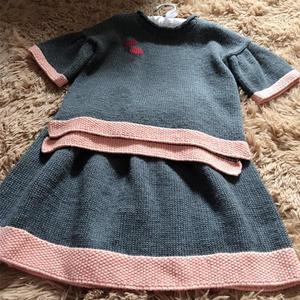 仿品牌童装深烟灰色儿童棒针毛衣裙套装