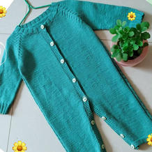 手工编织湖绿色棒针宝宝插肩袖连体衣
