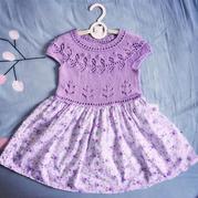 從領口往下織兒童育克圓肩葉子花布拼裙子