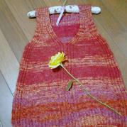 醉紅塵 懶人織法織女士棒針V領背心(附光邊的織法)