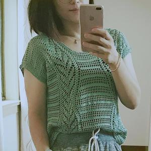女士钩针柳叶花样短袖套衫
