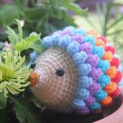 娃娃家玩偶線編織鉤針彩虹小刺猬
