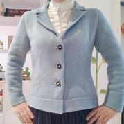 LK150机织雾霾蓝女士优雅翻地方领外套毛衣