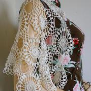 繁花 纯色段染线都适合的女士钩针蕾丝拼花披肩