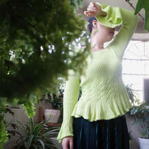 宫廷风小礼服  修身款女士棒针荷叶摆套头毛衣