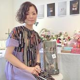 日本蕾丝钩编艺术家中里华奈(迷人钩织微型花卉在指间绽放)
