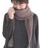時尚簡約平針與鏤空花組合女士棒針流蘇圍巾