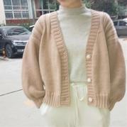奶茶 喵夫人大雪女士棒針燈籠袖V領開衫