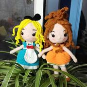 一对姐妹花  娃娃家北京pk10信誉平台钩针卷发娃娃