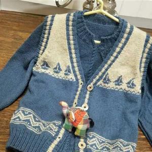 冰糖葫蘆 男童棒針馬甲毛衣套裝(提花V領馬甲+套頭毛衣)