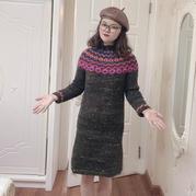 從領口往下織女士棒針北歐風提花連衣裙