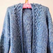 結構特殊的云紋女士棒針豆豆開衫毛衣