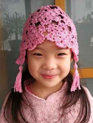 儿童钩针粉色拼花镂空流苏小帽