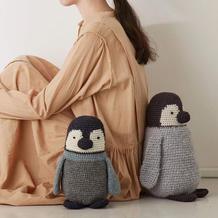 来自灰黑系的各种呆萌 钩针企鹅抱枕编织图解