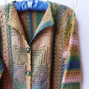 别致的女士钩针祖母方格中长款外套开衫