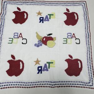 一家三口齐上线设计温暖有爱钩针图案拼花毯