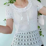 花咏 为夏天半身裙设计的钩针收腰上衣(第十届编织大赛作品)