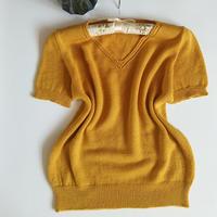 喵夫人霜降姜黄色女士棒针V领短袖打底衫