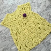 黄色葱花碰撞菠萝儿童钩针连衣裙