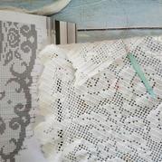 毛線球26經典方格編鉤針玫瑰蕾絲桌布