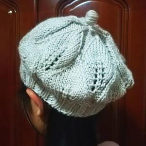 女士棒针叶子花贝雷帽