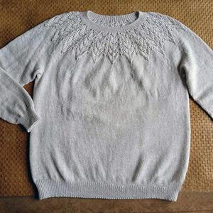 蔷薇  仿版与改版女士棒针育克镂空花圆肩毛衣