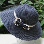 蝴蝶结双色大檐钩针和纸草帽