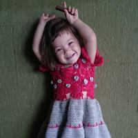 手编混血萝莉的多彩童裙 编织人生官方海外群作品