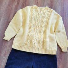 嫩黄 金羊合三股织女孩棒针阿兰花样套头衫