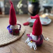 趣编打毛线的圣诞老人 迷你精灵圣诞老人玩偶编织图解