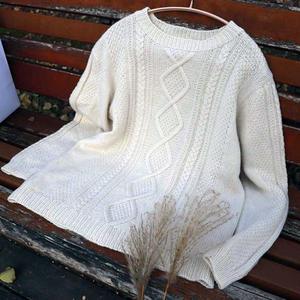 白月光 男士棒针圆领绞花套头毛衣
